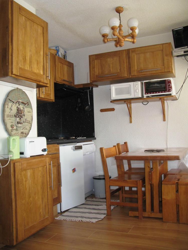 bloc cuisine pour studio kitchenette pour studio sur. Black Bedroom Furniture Sets. Home Design Ideas