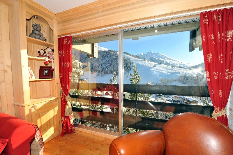 la clusaz location de ski et guide de tourisme. Black Bedroom Furniture Sets. Home Design Ideas