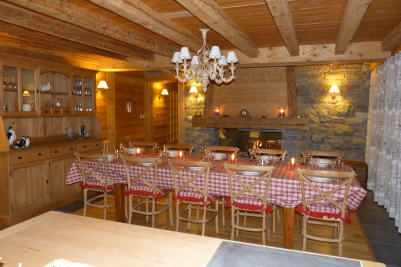 La clusaz grand chalet 10 pers 4 location montagne for Salle a manger crest