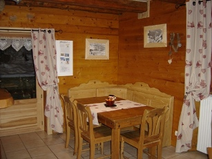 Location Areches-Beaufort : salle a manger