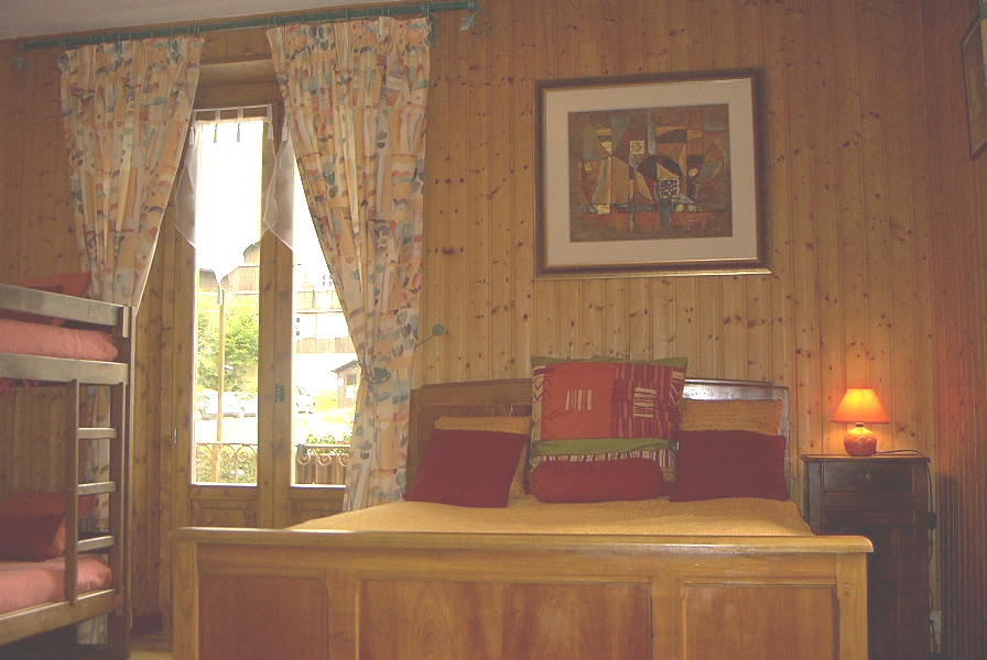 Location Areches-Beaufort : chambre sud ouest